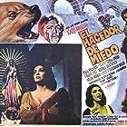 Sonia Amelio and Katy Jurado in El hacedor de miedo (1971)