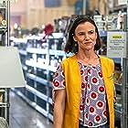 Juliette Lewis in Filthy Rich (2020)