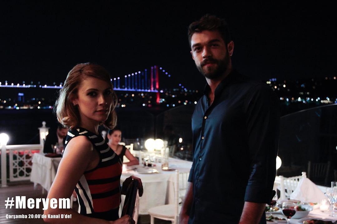 Açelya Topaloglu and Furkan Andic in Meryem (2017)