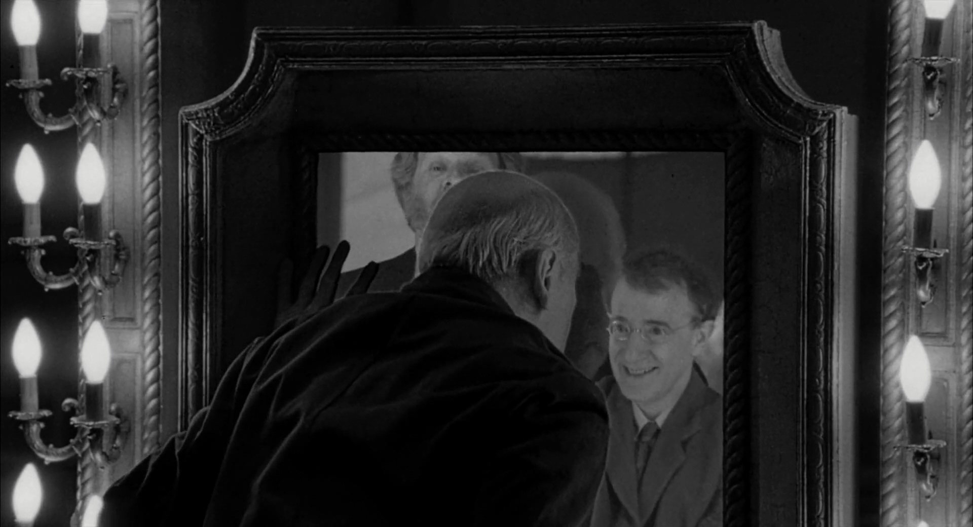 Woody Allen, Michael Kirby, and Kenneth Mars in Shadows and Fog (1991)