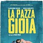 Valeria Bruni Tedeschi and Micaela Ramazzotti in La pazza gioia (2016)