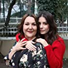 Sumru Yavrucuk and Özge Gürel in Annem (2019)