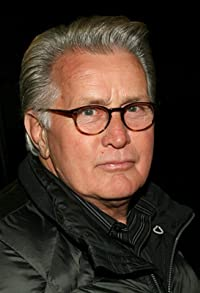 Primary photo for Martin Sheen