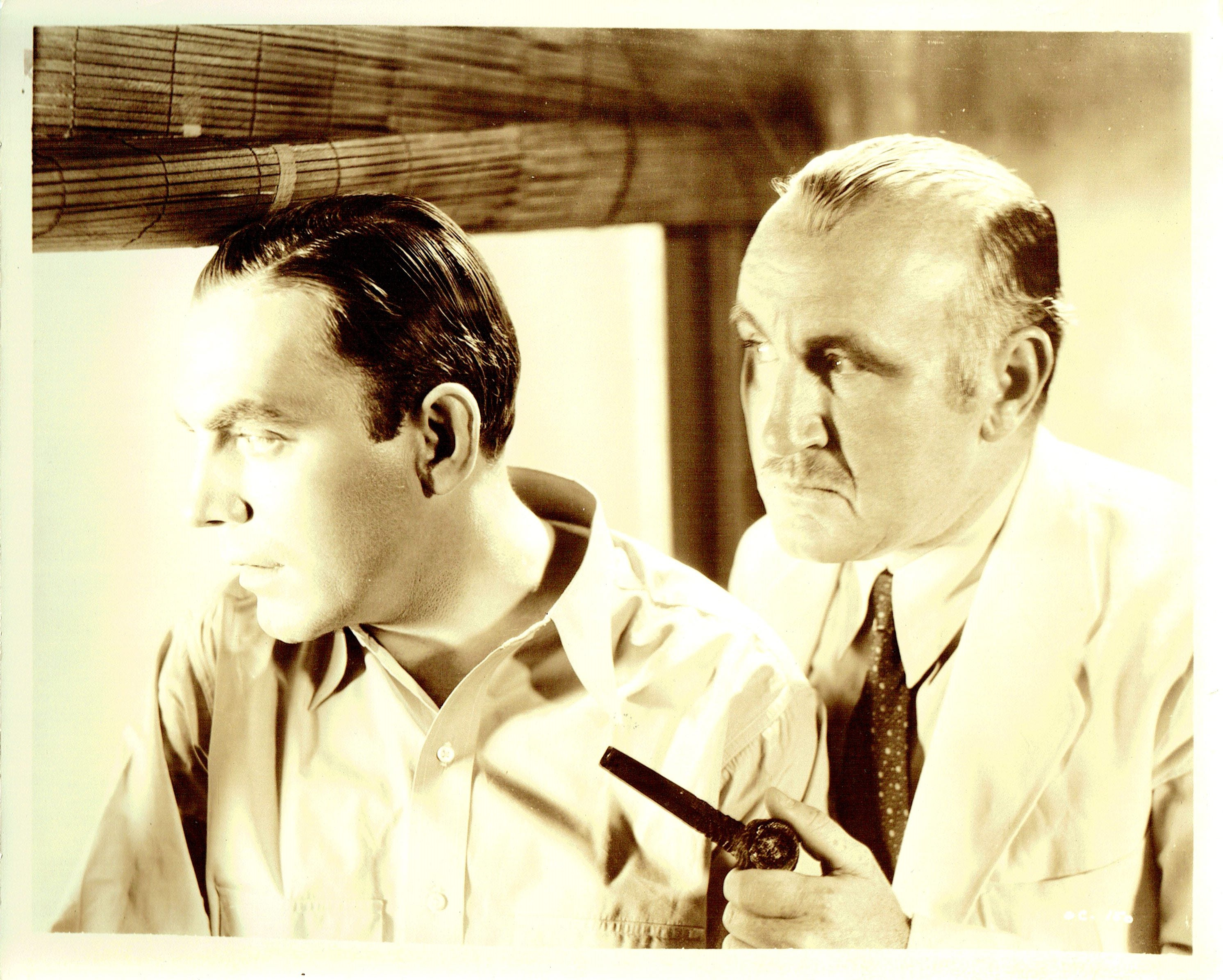 Pat O'Brien and Donald Crisp in Oil for the Lamps of China (1935)