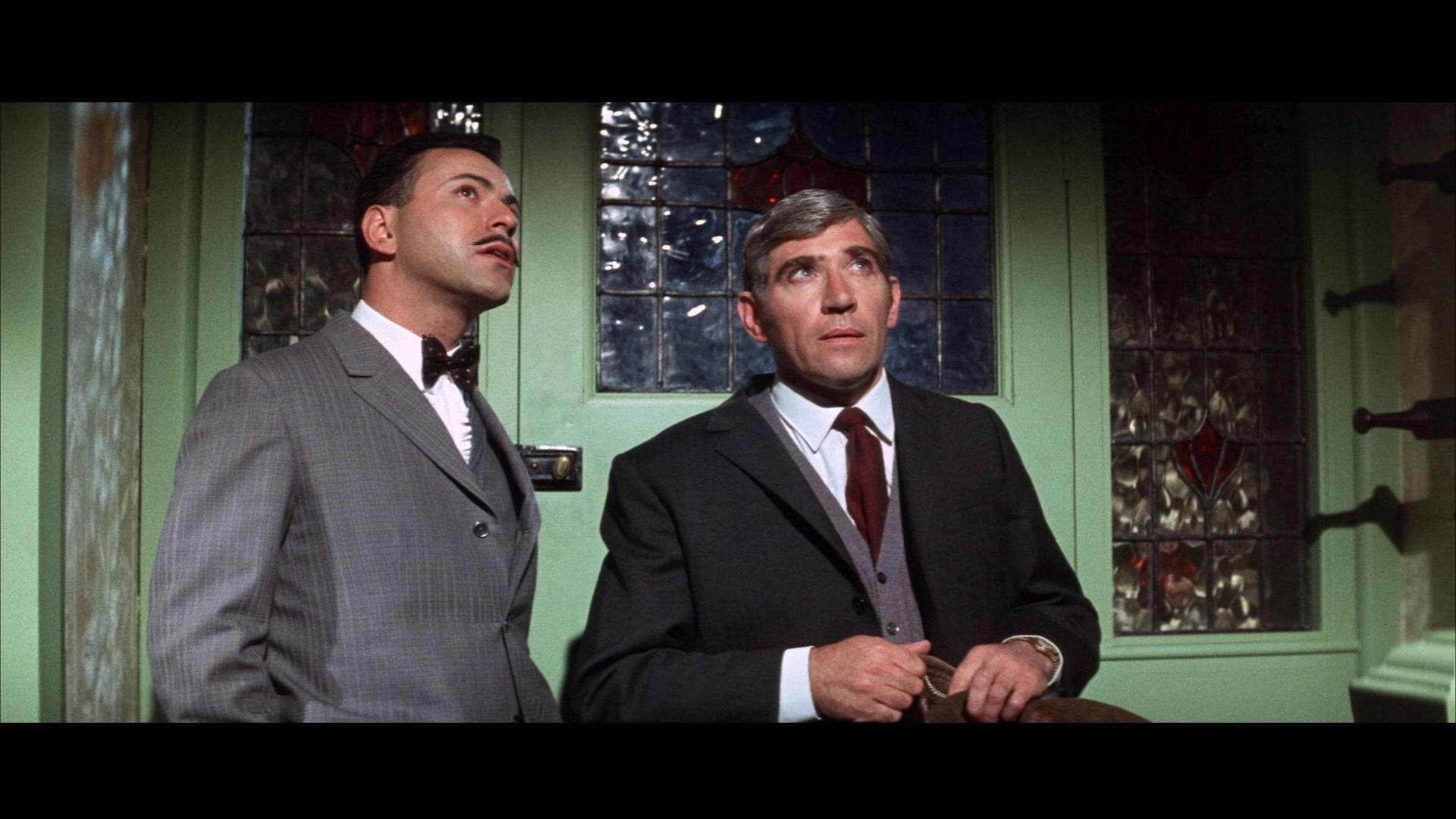 Alan Arkin and Frank Finlay in Inspector Clouseau (1968)