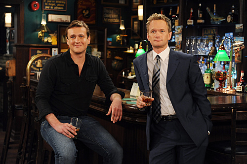 Neil Patrick Harris and Jason Segel in How I Met Your Mother (2005)