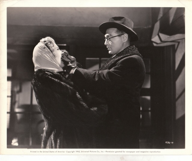 Peter Lorre and Ilona Massey in Invisible Agent (1942)