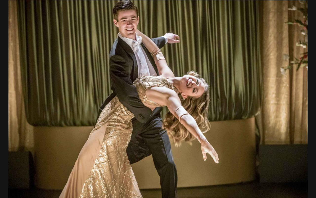 Melissa Benoist and Grant Gustin in The Flash (2014)