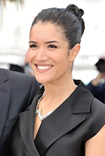 Sabrina Ouazani Picture