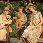 Margot Robbie and Will Tilston in Goodbye Christopher Robin (2017)