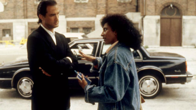 Steven Seagal and Pam Grier in Above the Law (1988)