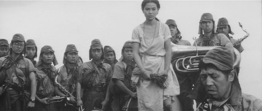 Reiko Dan and Yûnosuke Itô in Chi to suna (1965)