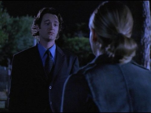 Sarah Michelle Gellar and Jonathan M. Woodward in Buffy the Vampire Slayer (1997)