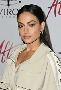 Inanna Sarkis Picture