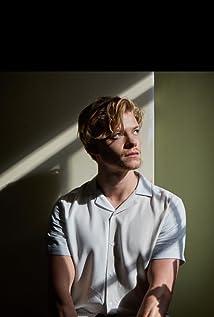 Tom Rhys Harries Picture
