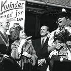 Arthur Jensen, Dirch Passer, Bendt Rothe, and Marguerite Viby in Don Olsen kommer til byen (1964)