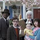 Joan Cusack, K. Todd Freeman, Malina Weissman, Louis Hynes, and Presley Smith in A Series of Unfortunate Events (2017)