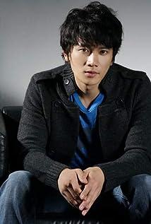 Seong Ji Picture