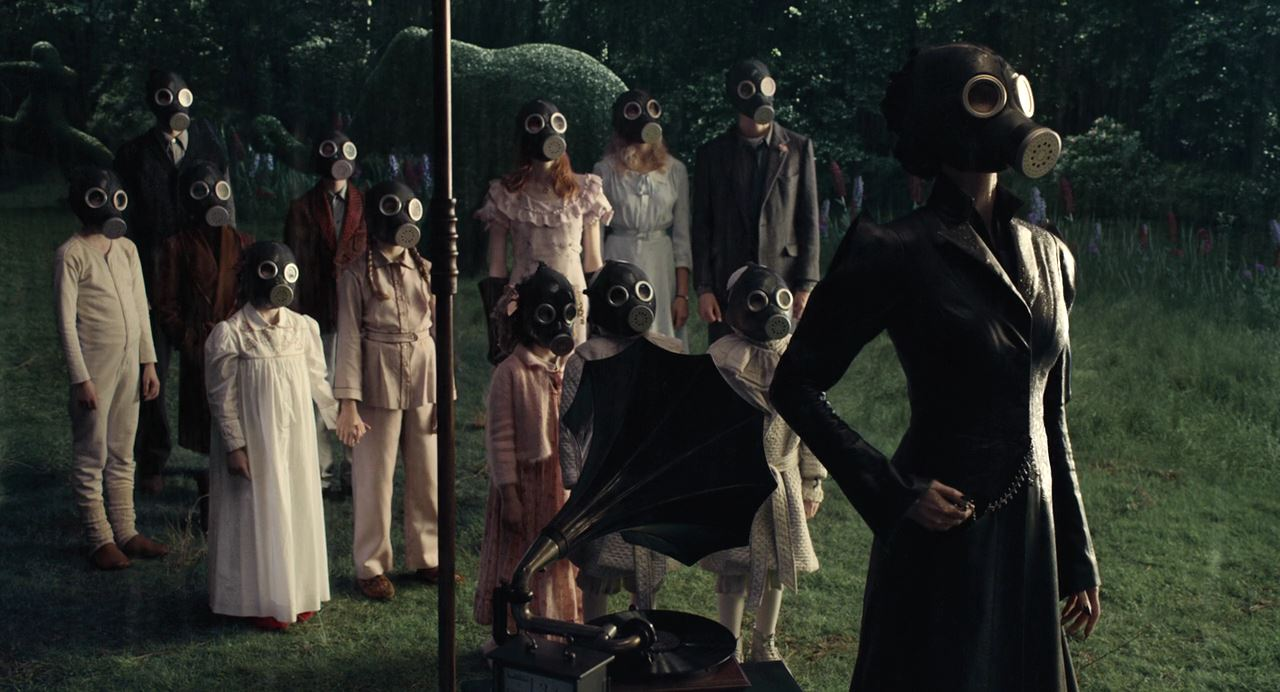 Miss Peregrine S Home For Peculiar Children 2016 Photo Gallery