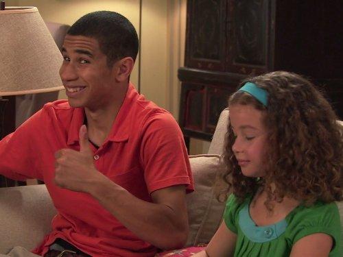 Demetrius Joyette and Jamie Bloch in Wingin' It (2010)