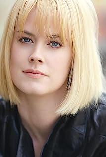 Abigail Hawk Picture
