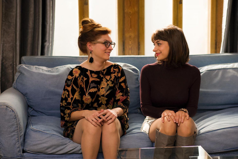 Sophie Desmarais and Catherine Paquin-Bechard in Mon ex à moi (2015)