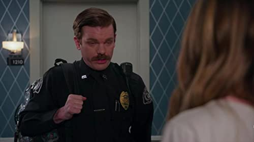 Insatiable Netflix (Patty tries to shake Officer Greg)