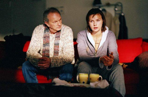 Veronica Ferres and Michael Gwisdek in Sterne leuchten auch am Tag (2004)