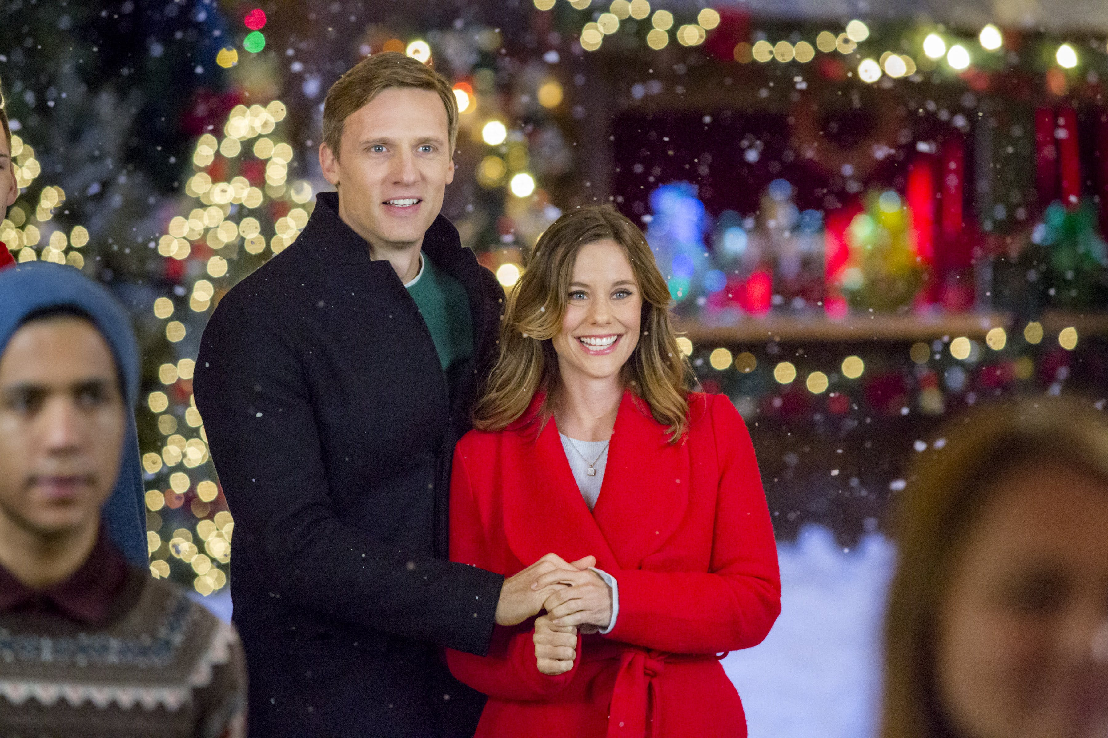 Ashley Williams and Teddy Sears in Christmas in Evergreen (2017)