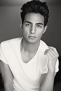 Luis Avila Picture