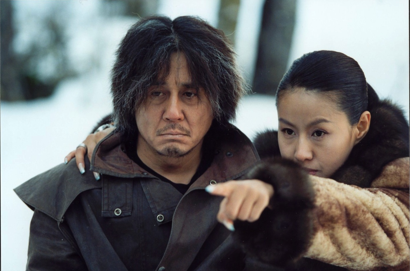 Min-sik Choi and Seung-shin Lee in Oldeuboi (2003)