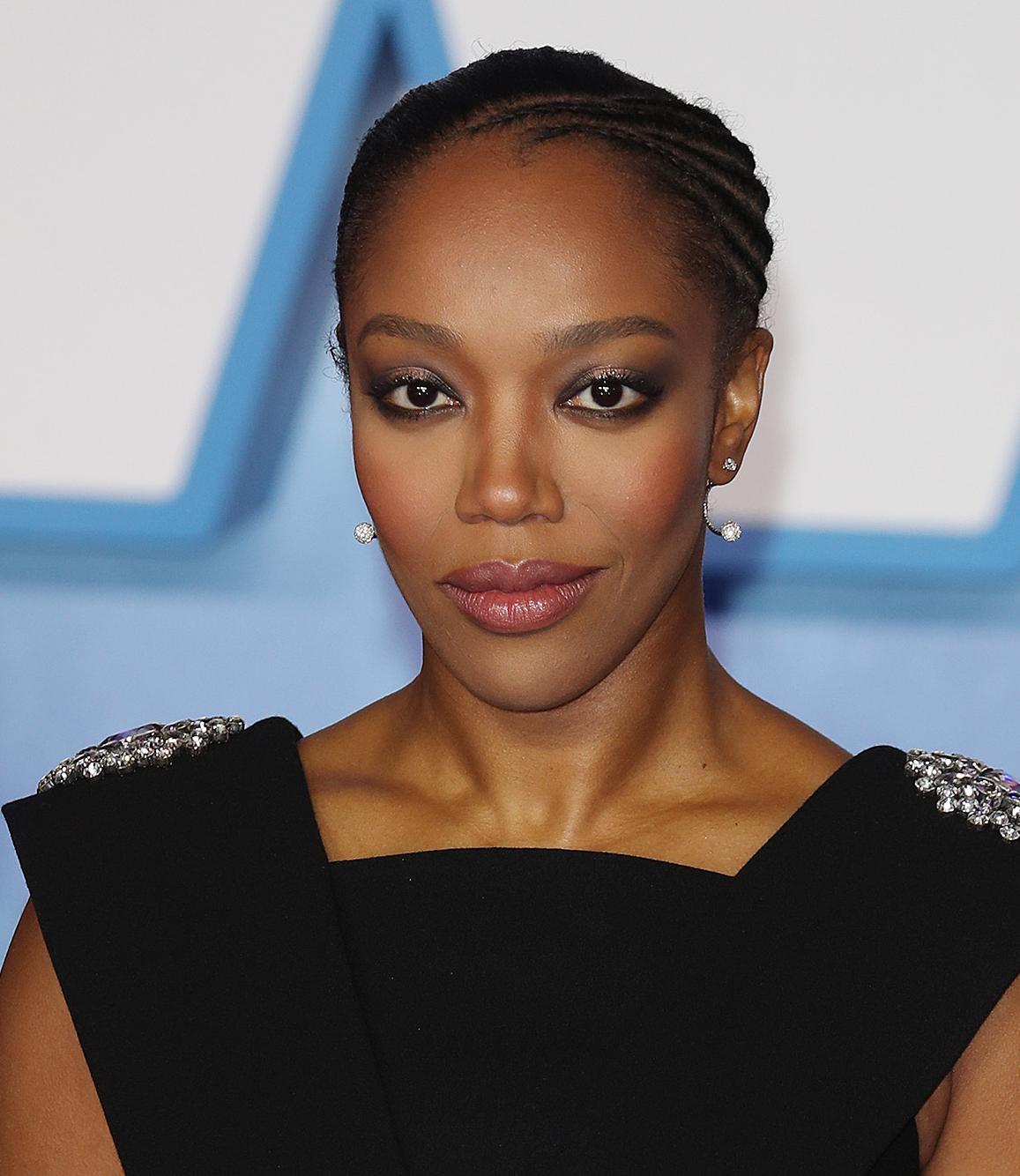 Naomi Naomi in