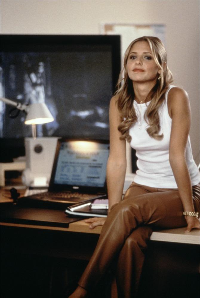 Sarah Michelle Gellar in Harvard Man (2001)