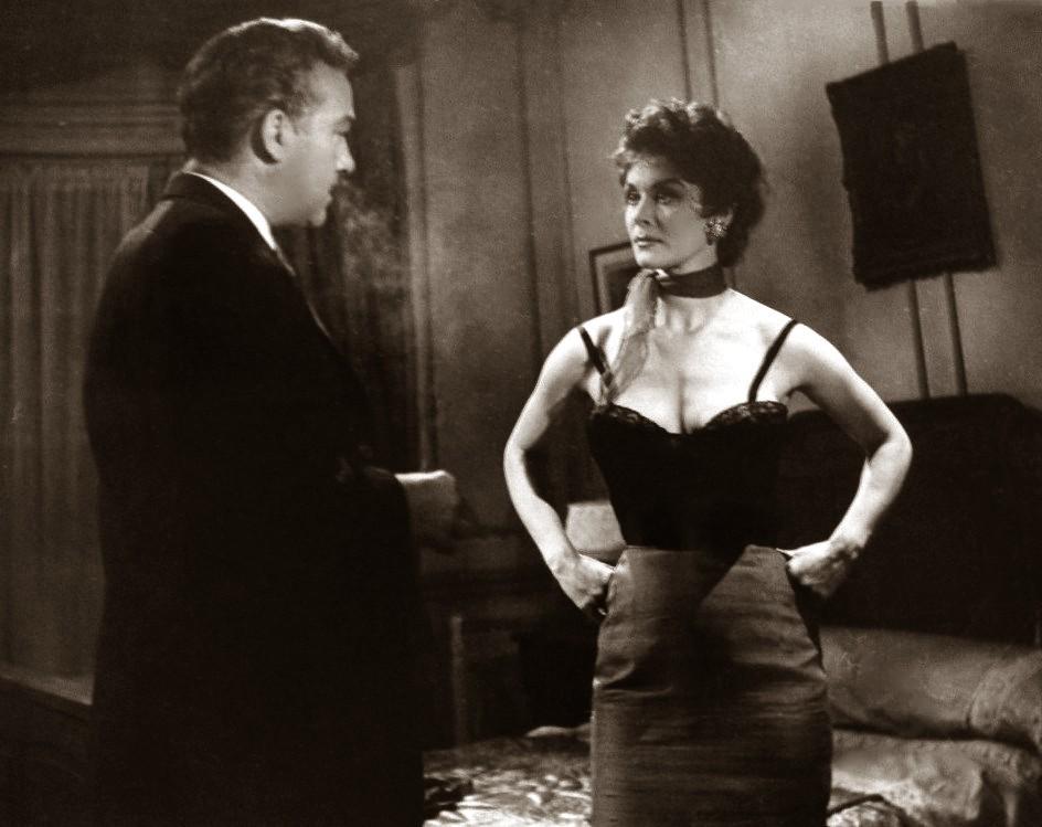 Roberto Escalada and Diana Maggi in La sombra de Safo (1957)