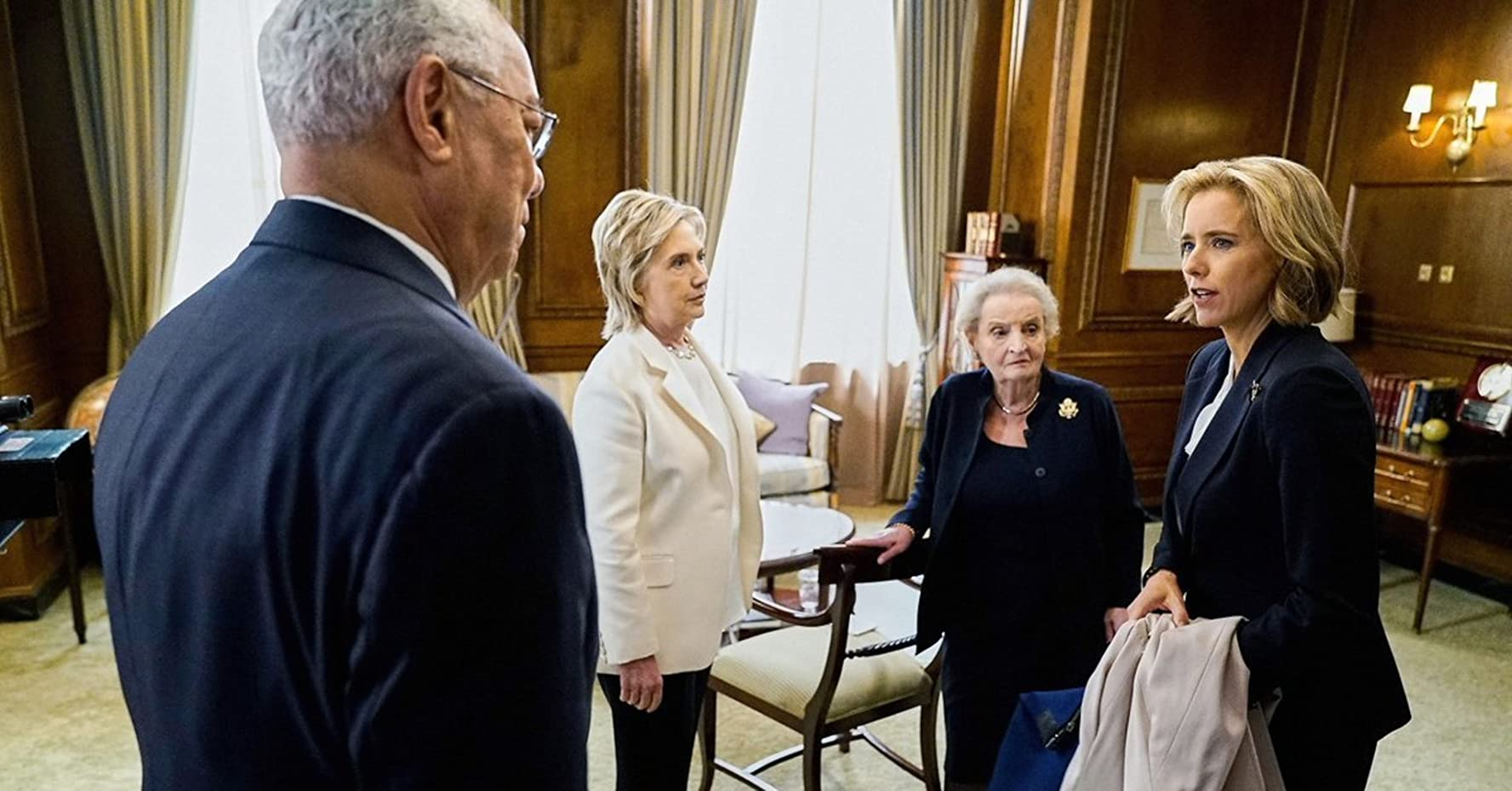 Téa Leoni, Hillary Clinton, Colin Powell, and Madeleine Albright in Madam Secretary (2014)