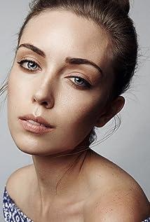 Ella Cannon Picture