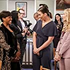 Tichina Arnold, Mandell Maughan, and Beth Behrs in The Neighborhood (2018)