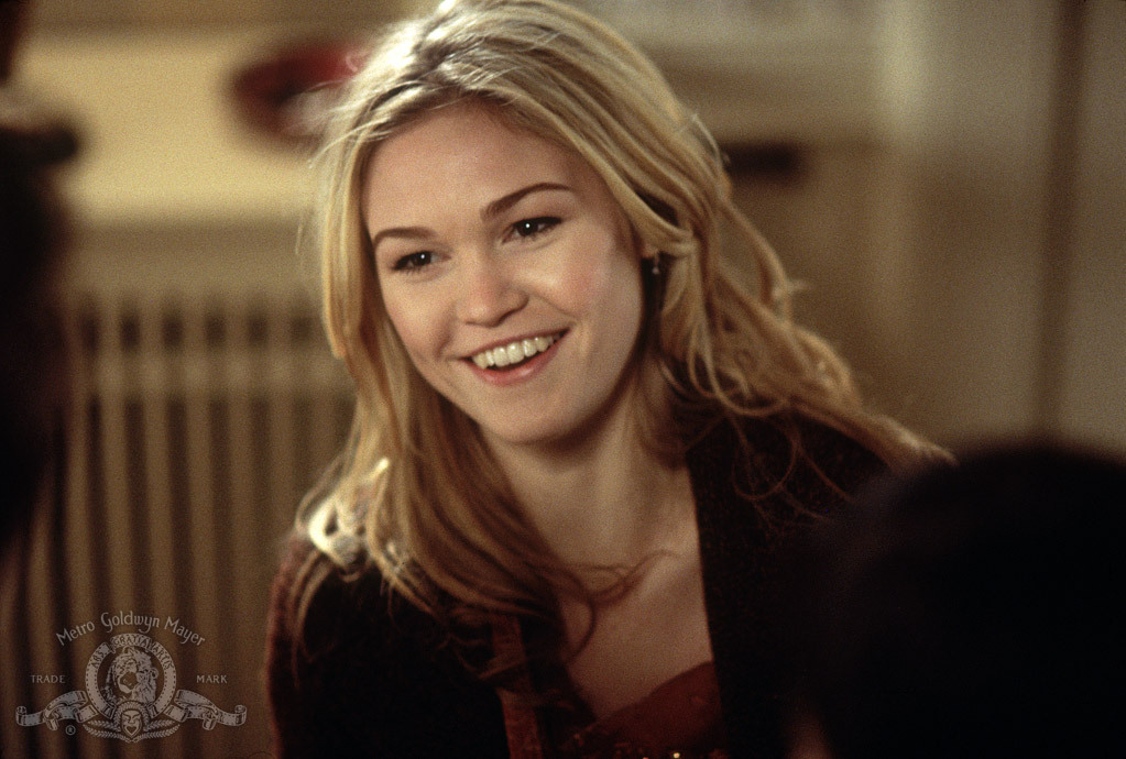 Julia Stiles in A Guy Thing (2003)