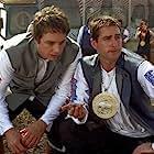Luke Wilson and Dax Shepard in Idiocracy (2006)