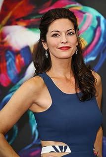 De 43-años 175 cm de altura Alana De La Garza en 2019 foto