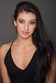 Alexandra Bernal Picture