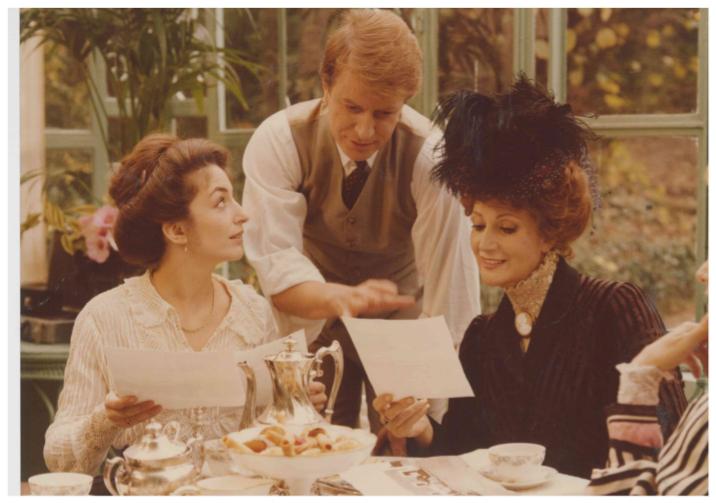 André Dussollier, Christine Pascal, and Rosy Varte in Elle voulait faire du cinéma (1983)