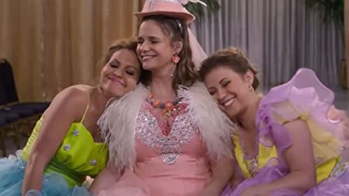 In Fuller House's fifth and final season, the Tanner childhood house is fuller than ever with DJ's three boys, Stephanie's new baby, and Kimmy's feisty family as the she-wolf pack prepares for a triple wedding and celebrates all of the memories that have led them there.