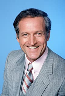 Daniel J. Travanti Picture