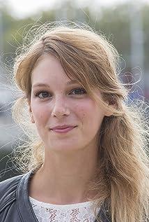 Emilie Piponnier Picture