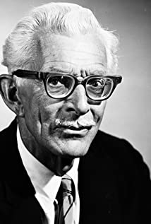 Alan Napier Picture