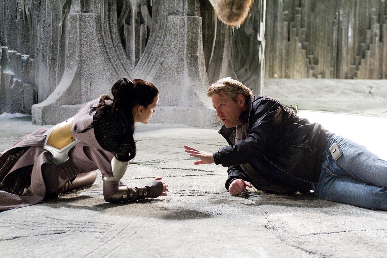 Kenneth Branagh and Jaimie Alexander in Thor (2011)