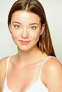 Nicole Brydon Bloom Picture