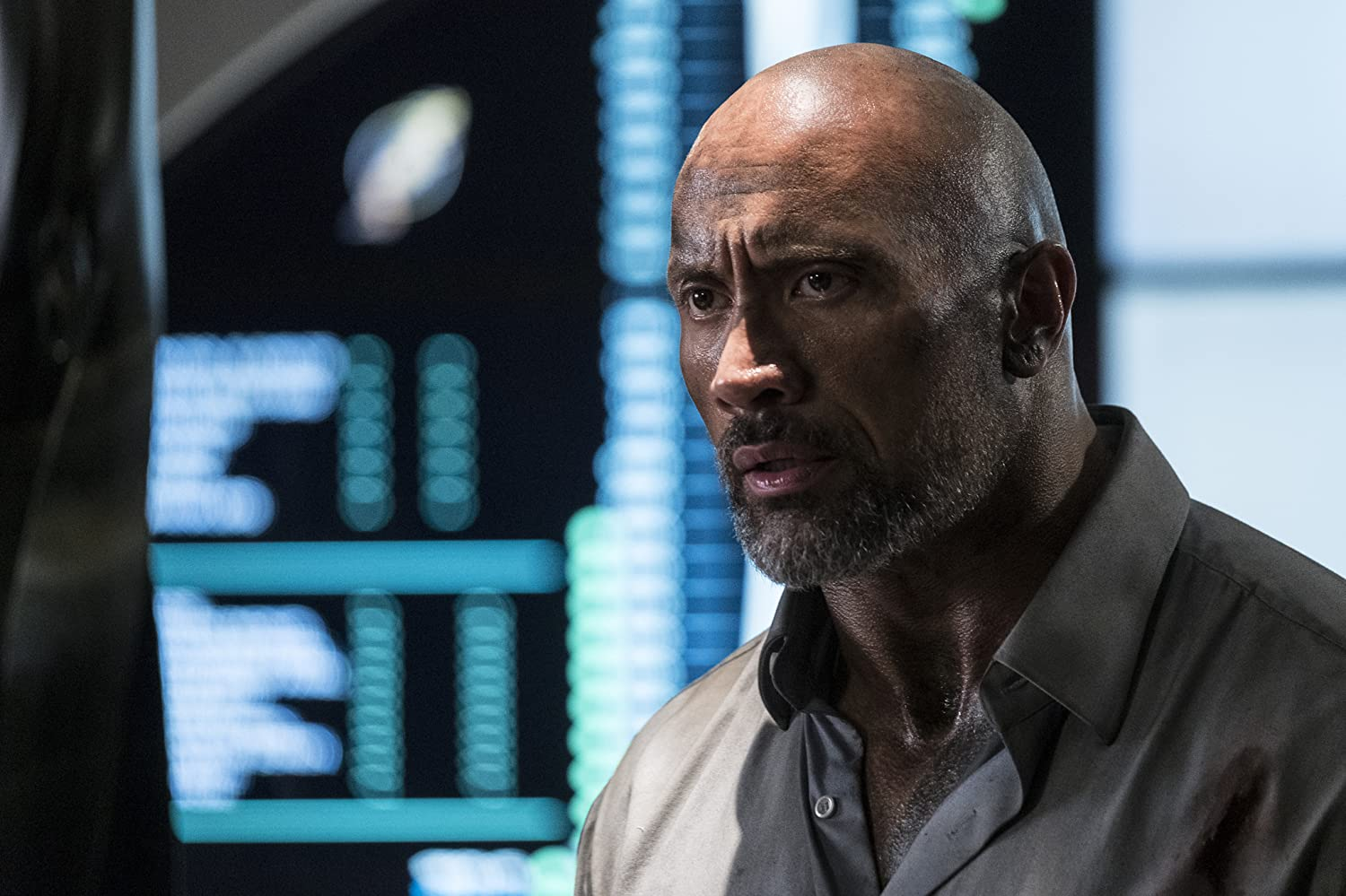 Dwayne Johnson in Skyscraper (2018)