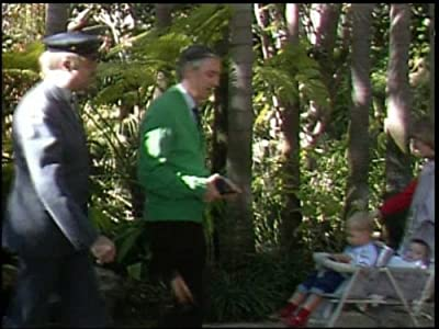 Scarica film gratis Mister Rogers\' Neighborhood: 1606: Josephine the Short Neck Giraffe by Paul Lally (1989)  [WEBRip] [1280x960] [1920x1600]